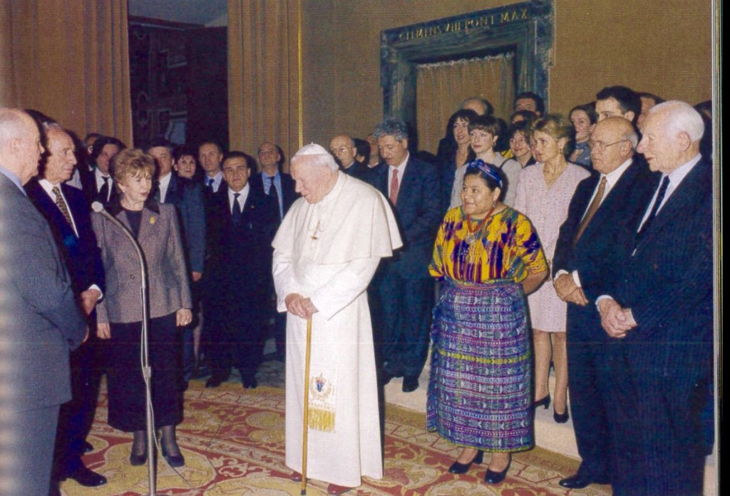 Shimon Peres at the 1999 Nobel Peace Summit's session at Vatican City