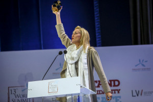 Sharon-Stone-peace-award-2